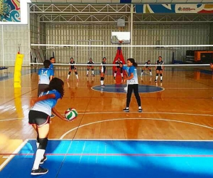 Los escenarios donde se realizan las competencias son: Parque Deportivo Bolivariano, Unimagdalena, Coliseo de Pescaito, Coliseo Inem Simón Bolívar y cancha La Castellana.