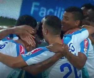 Jugadores del Junior celebrando el gol de Víctor Cantillo.