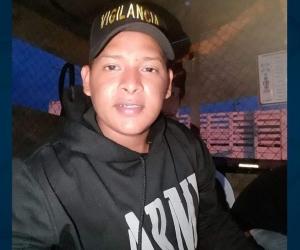 Daniel Eduardo Yépez Espejos, vigilante asesinado a piedras.