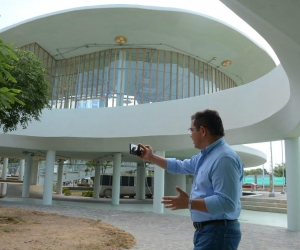 El alcalde de Santa Marta, Rafael Martínez, recibió hoy la megabiblioteca fase 1.
