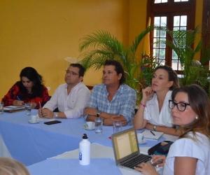 El alcalde Rafael Martínez se reunió con el artista samario Carlos Vives y su esposa Claudia Elena Vásquez.
