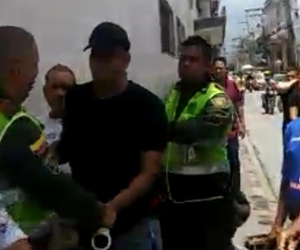 Momento de la captura del agresor.