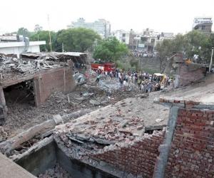 La explosión fue en una fábrica de fuegos artificiales en la localidad de Batala.