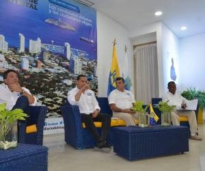 Los cuatros aspirantes a la Alcaldía que asistieron al debate.