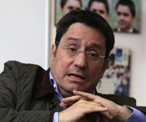 Francisco Santos.
