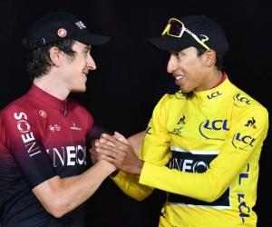 Geraint Thomas junto a Egan Bernal en el podio del Tour de Francia 2019