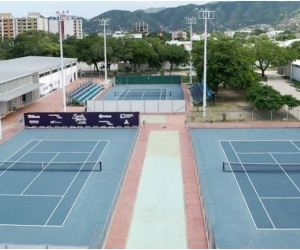El torneo interbarrios de fútbol tenis se toma el complejo de raquetas.