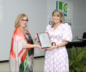 Homenaje a la alcaldesa de Santa Marta en la UCC