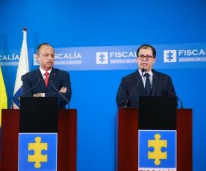 El magistrado Héctor Alarcón, presidente de la Sala de Instrucción de la Corte Suprema de Justicia, y el fiscal general Francisco Barbosa.