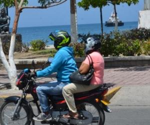 Este lunes podrán circular la motos, carros particulares y taxis que no tengan 'pico y placa'.