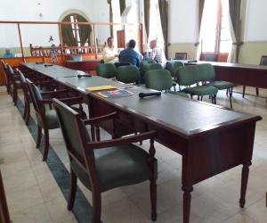 Solo cuatro diputados asistieron a la sesión de este jueves.