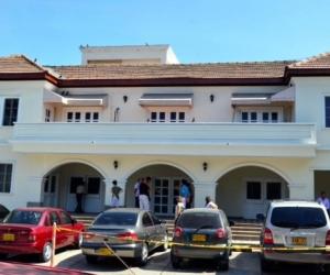 Clínica El Prado donde era atendido el preso fugado.