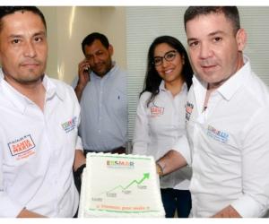 El gerente de la Essmar, José Dajud, y el director comercial Eddie Niño