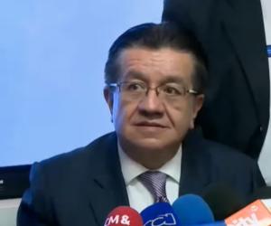 El Ministro de Salud, Fernando Ruiz Gómez.