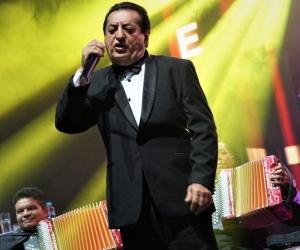 El cantante Jorge Oñate durante su presentación.