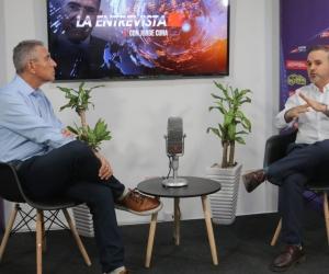 Jorge Cura en entrevista con Charles Chapman.