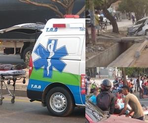 Momento del traslado de los heridos. Foto del vehículo involucrado en el hecho.
