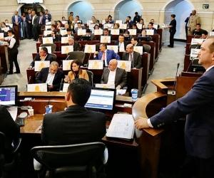 El presidente del Legislativo, el liberal Lidio Arturo García Turbay.
