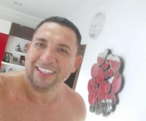 Este es el senador Laureano Acuña, quien 'peló el cobre' en redes sociales ante la cuestionada contratación en Malambo.