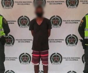 Ortiz fue trasladado a las instalaciones de la URI de la Fiscalía en Santa Marta, donde fue dejado a disposición para responder por los delitos señalados.