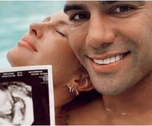 El delantero samario confirmó que su cuarto hijo será niño.