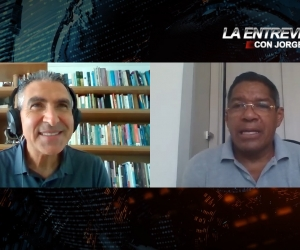 Jorge Cura entrevista a Lucho Torres.