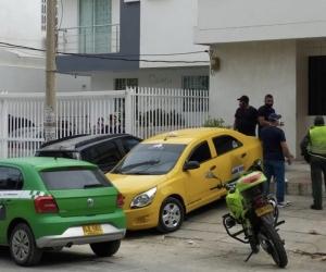 La patrulla covid durante la visita al sitio.