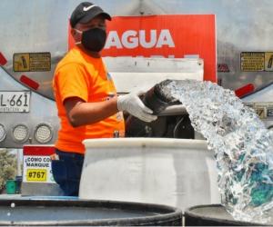 Abastecimiento de agua en Puebloviejo.