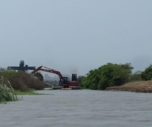 Bajo un estricto protocolo de bioseguridad aprobado por la interventoría, se reanudaron las obras complementarias que se ejecutan en Caño Clarín Nuevo y Viejo del Parque Salamanca, en el Magdalena.