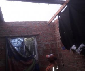 En dos horas una lluvia con brisa dejó 50 personas afectadas.