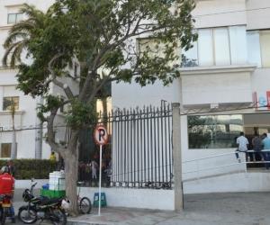 El herido está siendo intervenido en la clínica Mar Caribe.