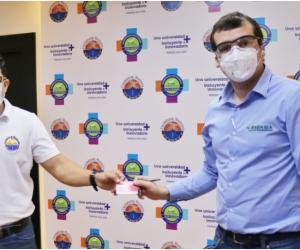 Con $10.000.000 en bonos de mercados, Asbama se sumó al Fondo Solidario.