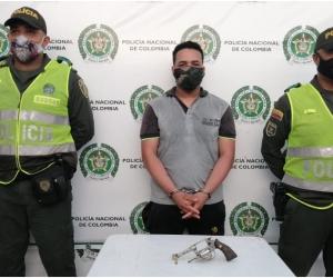 El sujeto fue capturado a pocos metros del retén policial