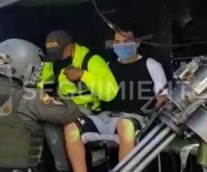 Miembros de la Policía Nacional, movilizaron al presunto sicario venezolano, en un helicóptero.