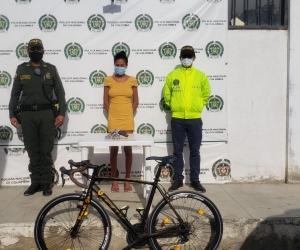La Policía capturó a la mujer que se encontraba en el lugar donde hallaron la bicicleta.