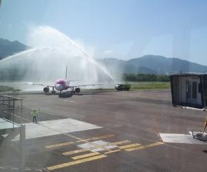 Llegada del vuelo al aeropuerto.