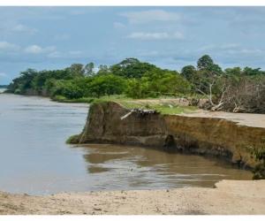 Este miércoles comenzó el dragado del río y la rehabilitación del tramo a la altura del kilómetro 2.5 en la vía Salamina – El Piñón.