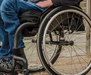 Este Pacto promueve jornadas preparatorias y actividades de entrega de tarjetas militares digitales para las personas con discapacidad.