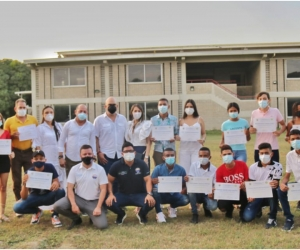 Se entregaron reconocimientos a jóvenes bachilleres y 20 becas directas para cursar estudios en Unimagdalena.