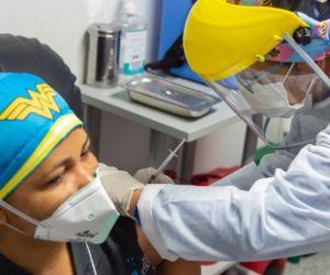 Vacunación a Liseidis Pérez.