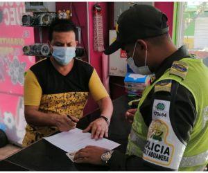 Policía Fiscal y Aduanera realizó visitas de control aduanero al comercio del municipio.