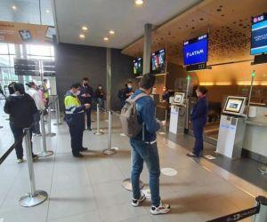 Pasajeros en el Aeropuerto El Dorado.