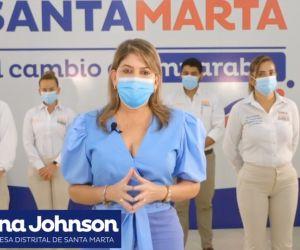 Virna Johnson, durante la transmisión en vivo.