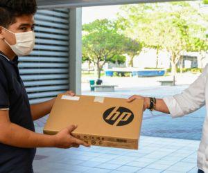En esta oportunidad se avanza en la entrega de equipos de cómputo con conexión a internet.