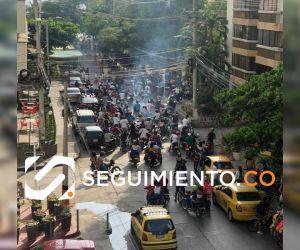 Un 'enjambre' de motos salió por las calles de el Rodadero.