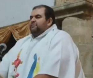 Sacerdote Roberto Arenas Díaz.