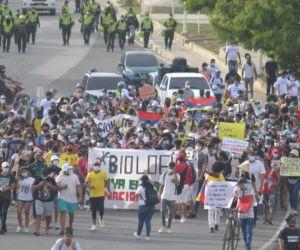 Los líderes estudiantiles presuntamente habrían sido intimidados por integrantes de la Fuerza Pública en el contexto de las movilizaciones pacíficas.