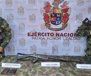 Armamento encontrado por el Ejército.