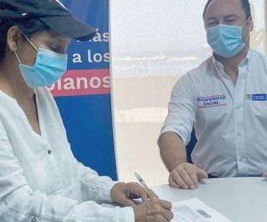 Alcaldesa de Algarrobo firmó convenio con el DPS.