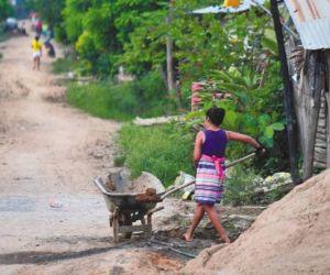 Los recursos iban dirigidos para la población desplazada.